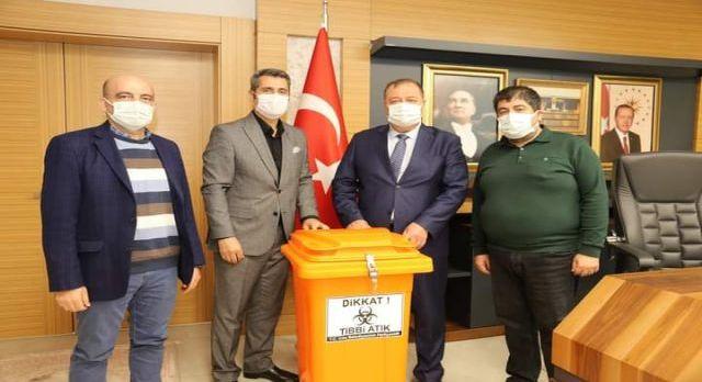 Kilis Belediyesi'nden sağlık ocaklarına tıbbi atık kutusu