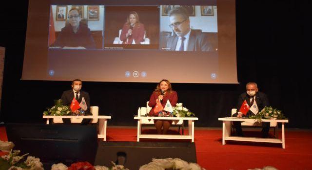 Malatya Turgut Özal'da 'tarımsal' sunum