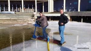 Muddra från isen
