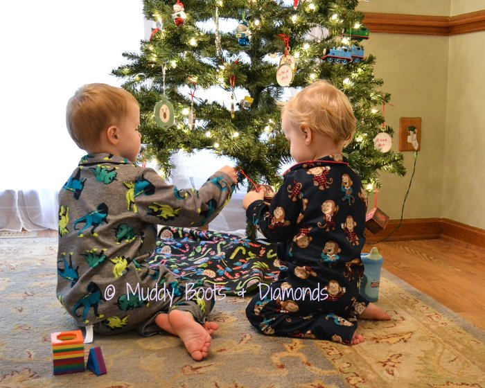 christmas eve tradiiton via muddybootsanddiamonds.com