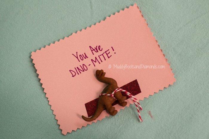 DINO-MITE Valentines vai Muddybootsanddiamonds.com