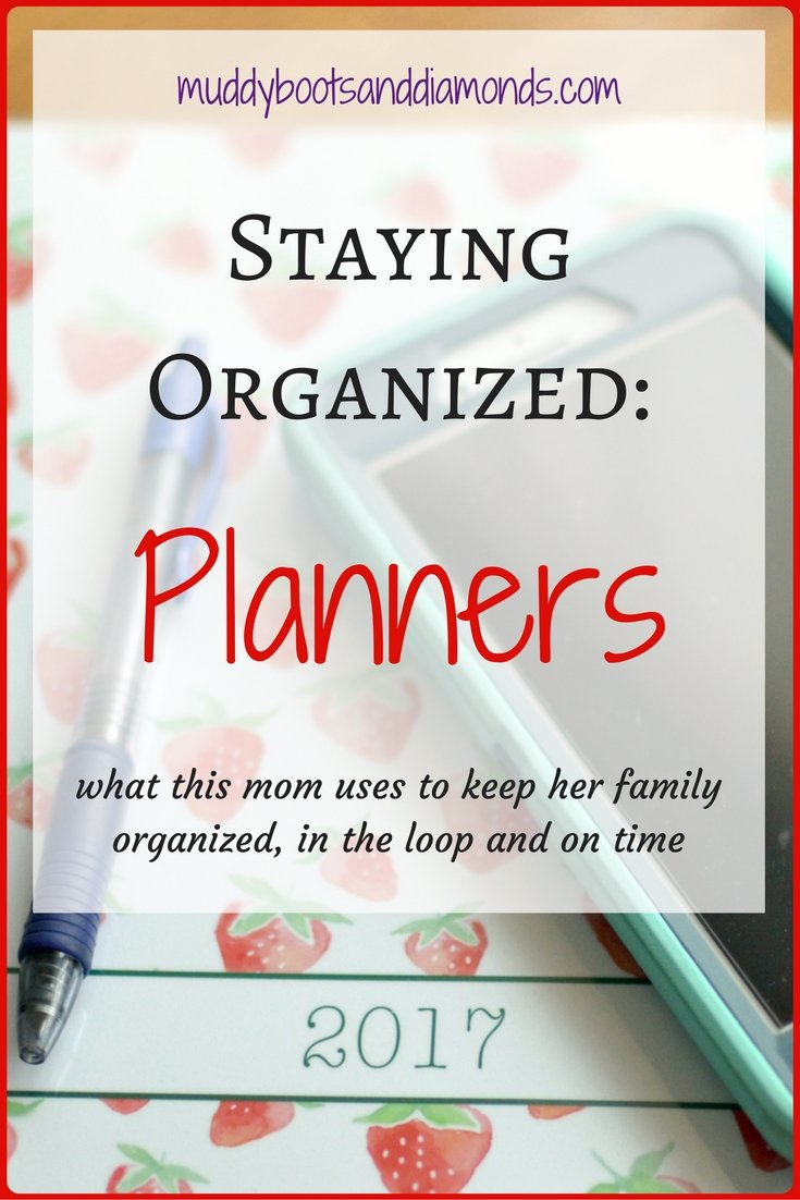 The planning system I use to keep my family organized, in the loop and on time! Family Organization: Planners via muddybootsanddiamonds.com