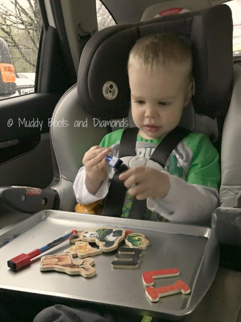 DIY road trip entertainment for children via muddybootsanddiamonds.com