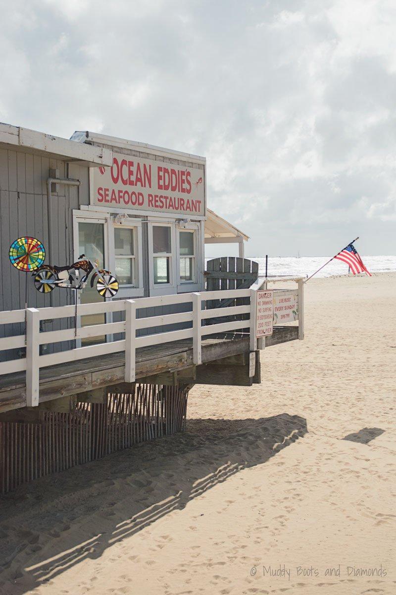 Ocean Eddie's at Virginia Beach Pier | A Birthday Trip to Virginia Beach via muddybootsanddiamonds.com