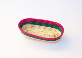 MUDESO handgeflochtene Dekoschale aus Palmenblättern mit farbenfrohen Akzenten