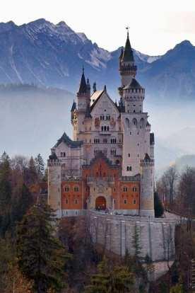 Замок короля Людвига II Нойшванштайн
