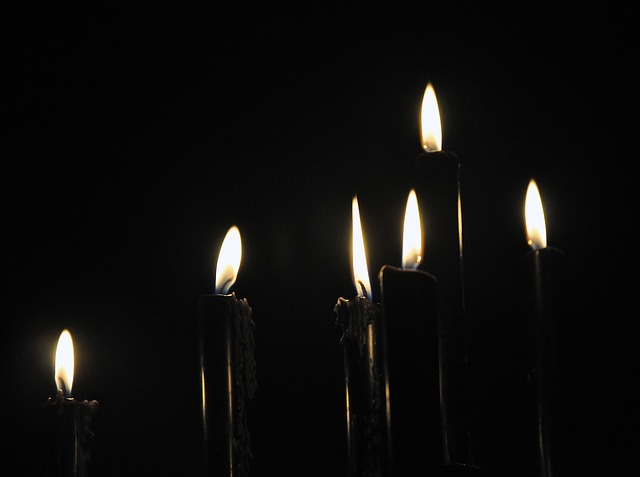 black-candles-840794_640