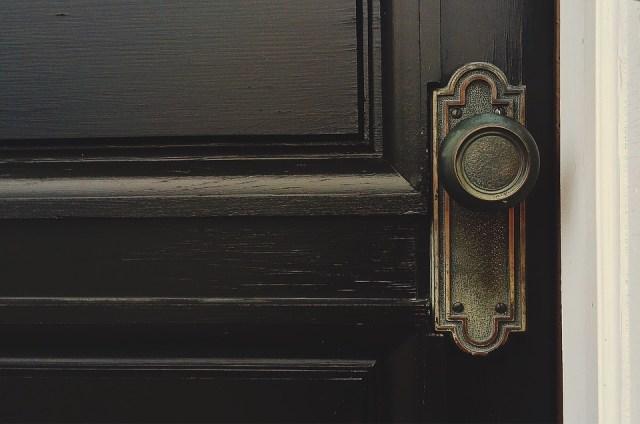 door-1110670_960_720