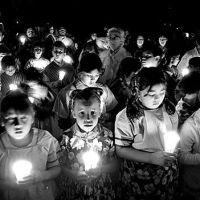 Las Posadas: Enacting the Paradox of Advent
