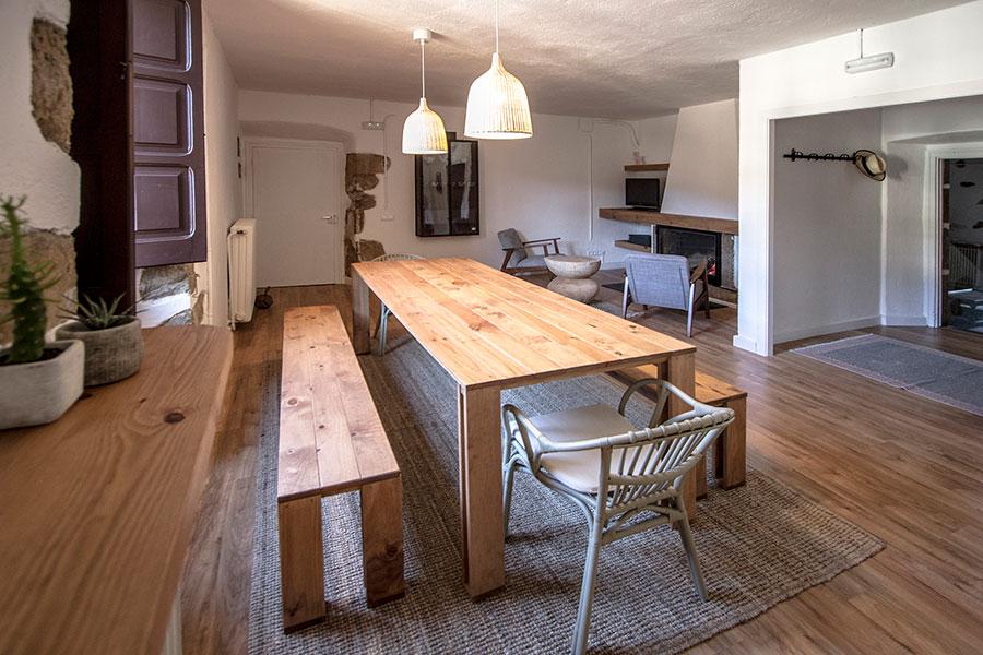 Mesa de comedor barata de madera ecolgica resistente