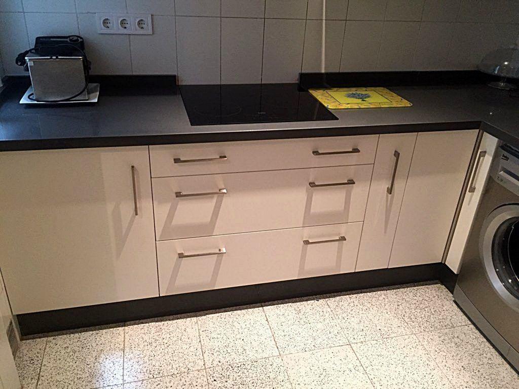 Cocina blanca encimera gris  Cocinas Sevilla  Cocinas