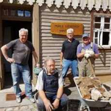 Dietmar Hoffmann, Udo Sindermann, Klaus Röhr und Gerhard Gödeke nach dem Einsatz
