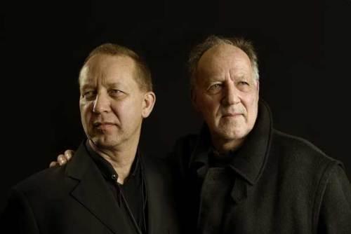 Ernst Reijseger (l.) vertont Werner Herzogs Bilder   © Krijn van Noordwijk