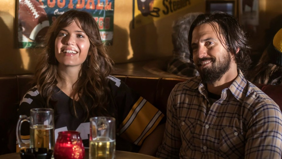 "THIS IS US -- ""The Game Plan"" Episode 105 -- Pictured: (l-r) Mandy Moore as Rebecca, Milo Ventimiglia as Jack -- (Photo by: Ron Batzdorff/NBC)"