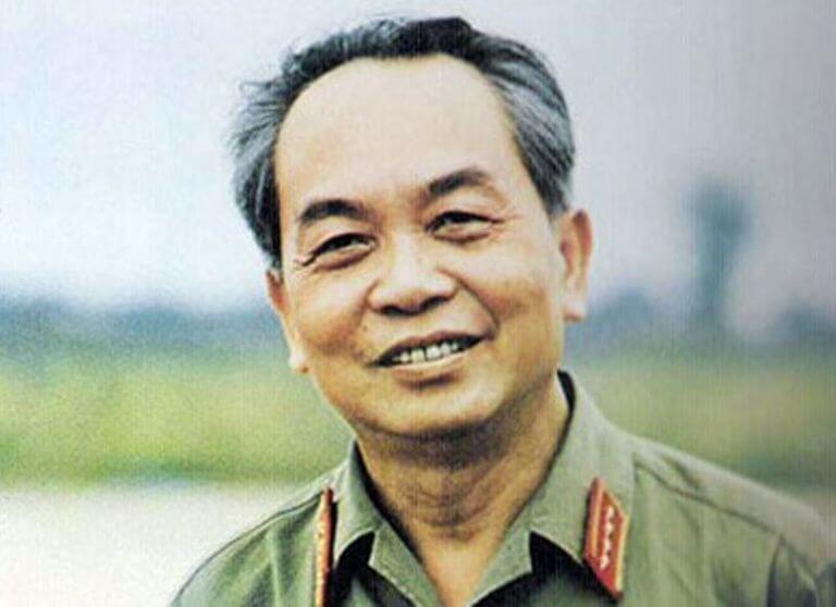 Paradoxe du terrain, le général Võ Nguyên Giáp a appris la guerre en la faisant