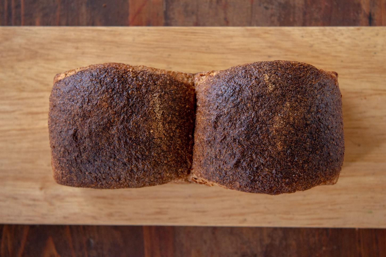もと 国産 スペルト小麦 古代小麦 オーガニック 全粒粉 石臼 石窯 天然酵母 通販 スペルト小麦パン