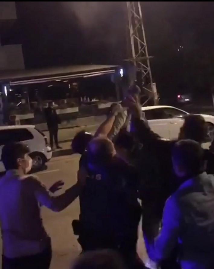 Muğla Kötekli'de gecenin sessizliğini polisin silah sesleri bozdu