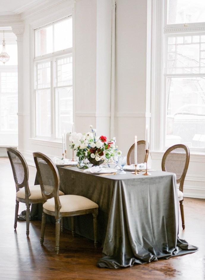 Winter wedding in Toronto - Muguet Photography