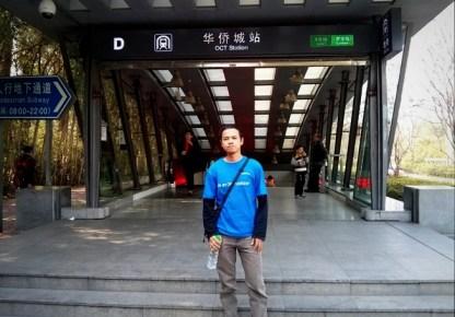 Di depan pintu keluar stasiun OCT