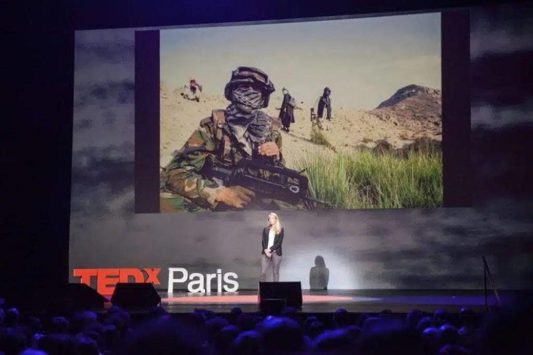 Charla TED de Véronique de Viguerie [Foto: TEDxParis vía Flickr]