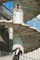 Diese Treppe ist leider keine Schönheit mehr, erwies sich aber letztlich als praktisch