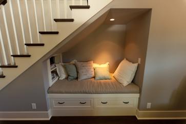 15 formas ingeniosas de aprovechar el espacio bajo tus escaleras  Mujer de 10