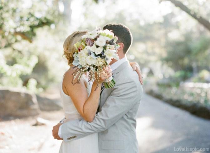 16271-Sweet-Wedding-Day-Kiss