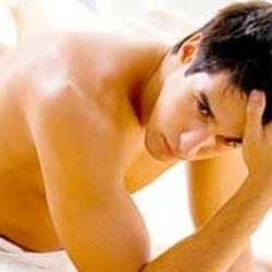 Почему чешется под яйцами у мужчин