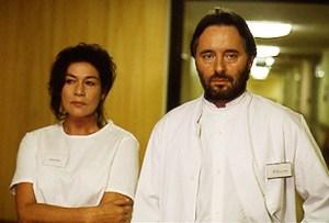 """Hannelore Elsner und Uwe Kockisch im ARD-Fernsehspiel """"Die Narbe des Himmels"""""""
