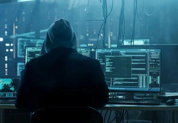 Photo of Covid-19: EUA acusam 'hackers' chineses de atacarem empresas que desenvolvem vacinas