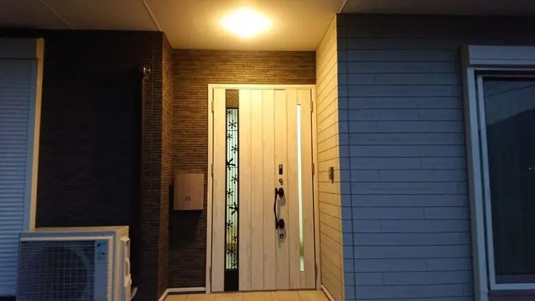 新築で唯一の後悔はポイントは「玄関」。玄関照明で人感センサーの設置は必須