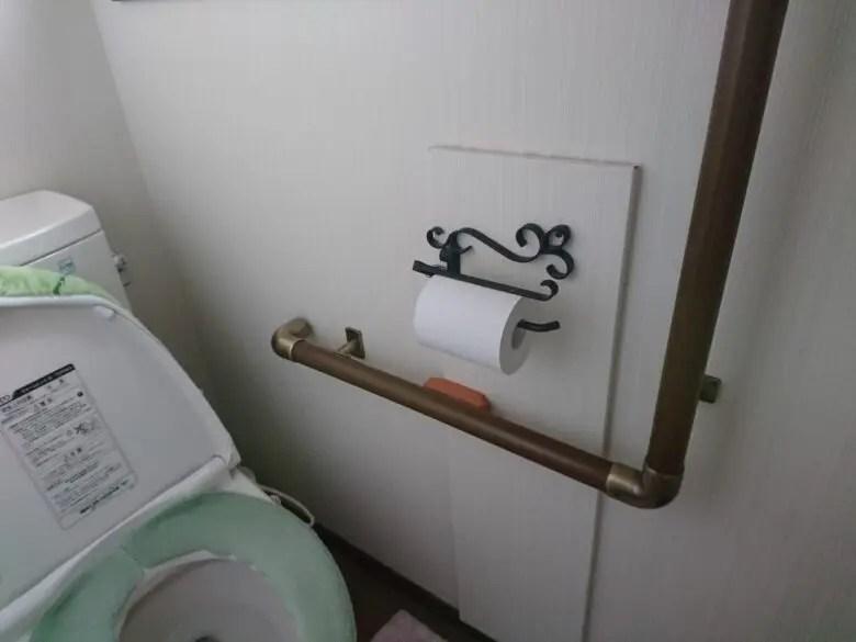 新築でトイレのペーパーホルダーを交換した家。高気密高断熱の家は耐力壁が必要