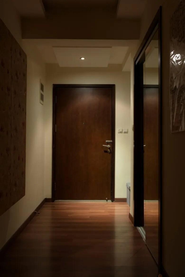 玄関ホールの照明にダウンライトNG?このくらい注意すれば心配する必要はない