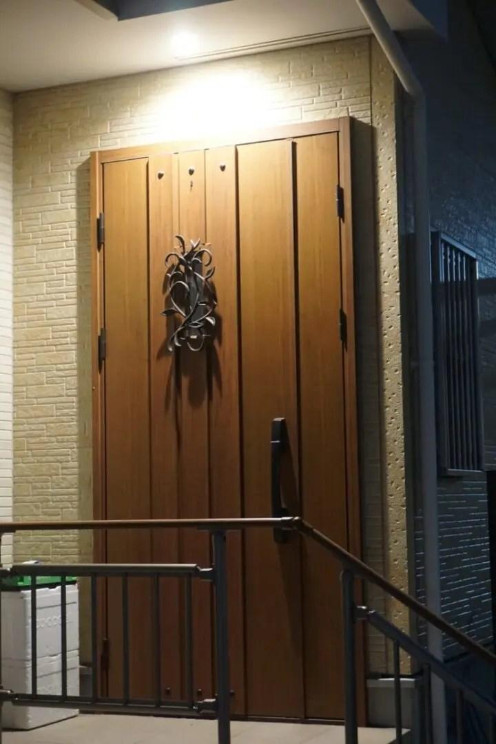 玄関の外の照明を選ぶ時のポイント。こんな人にはコレ!おすすめしたい選択肢