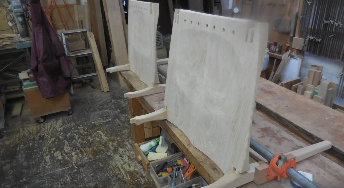 肘掛け椅子の組み立て