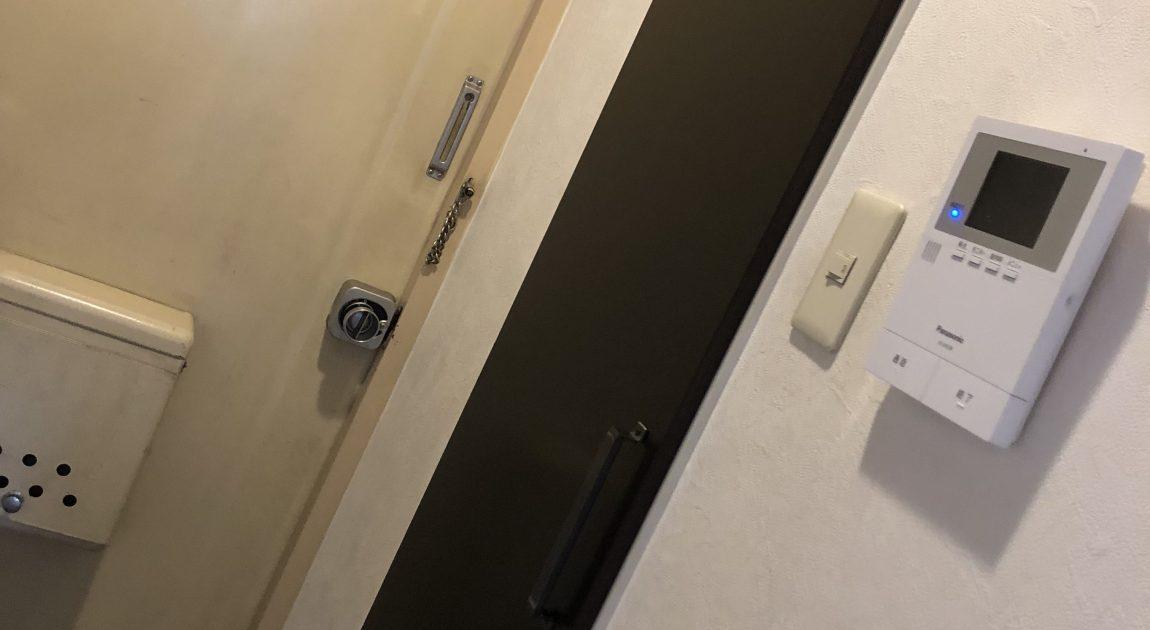玄関収納扉