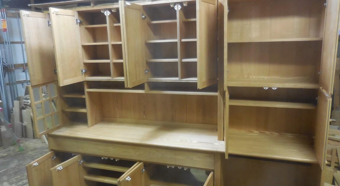 食器棚(カップボード)の調整