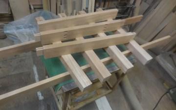 ダイニングテーブル 脚と幕板