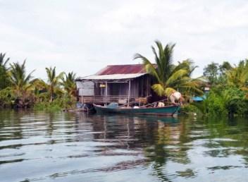 cabane chi phat bateau