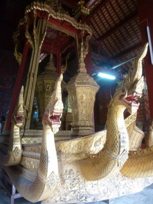 Laos, Luang Prabang,Le Naga de la barge cérémonielle Temple Bouddhiste Wat Xieng Thong