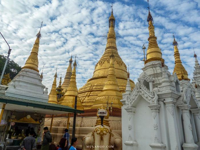 Myanmar, La Pagode Shwedagon, Pagode Shinsawpu et ses pagodons