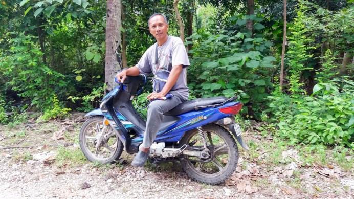 Mon chauffeur lors de mon escapade au Mont Bandilaan