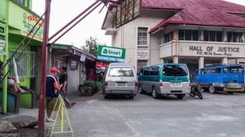 A Banaue, aux Philippines, point d'arrivée des bus