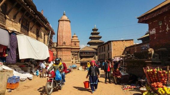 Rue et temples de Bhaktapur au Népal