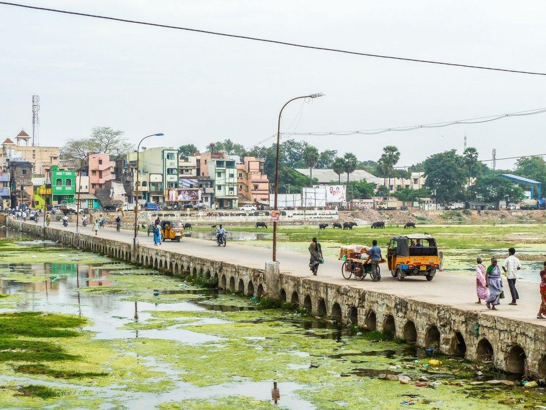 Pont sur le fleuve Vaigai à Madurai