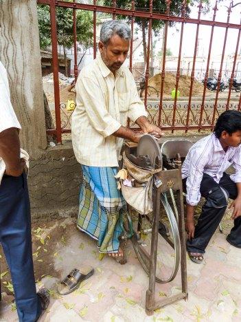 Aiguiseur de couteau à Madurai