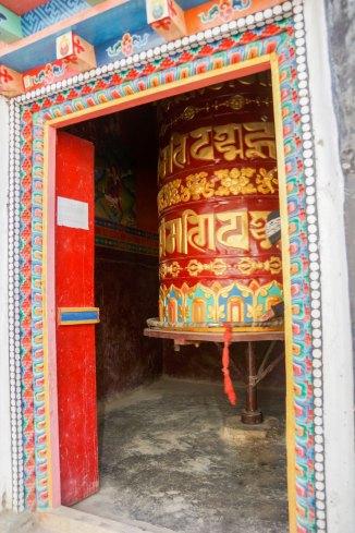 Moulins de prière dans le Haut Mustang au Nepal