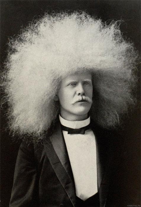 white-afro-circus-freaks-on-vintage-photo