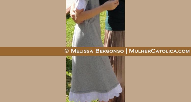 Minha linda afilhada com o vestidinho reformado!
