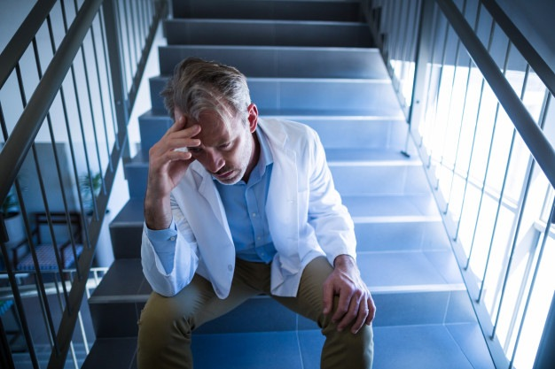 Os profissionais da saúde após um ano de pandemia